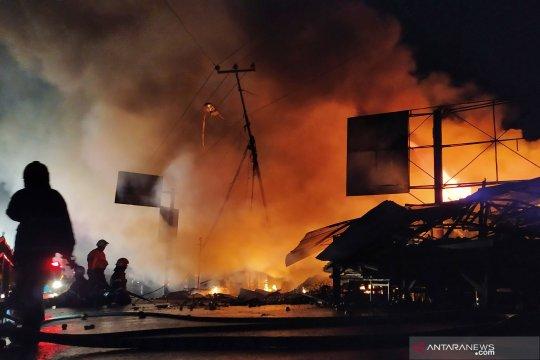 62 kios di Pasar Ujungberung hangus dilalap api