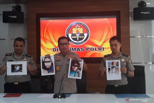 Densus 88 tangkap empat terduga teroris di Jatibening Bekasi