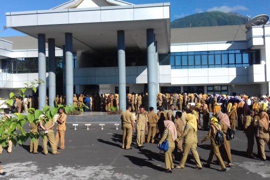 Pemprov Malut beri sanksi PNS tidak masuk kantor pascalebaran