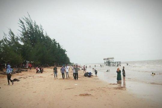 Pengunjung Pantai Ujung Pandaran turun drastis