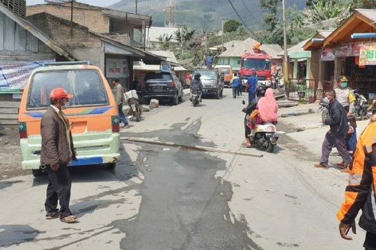 BPBD: warga sudah terbiasa melihat erupsi Gunung Sinabung
