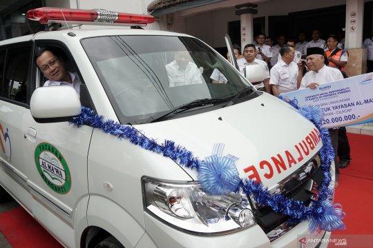 Dirut PT KAI serahkan mobil ambulance
