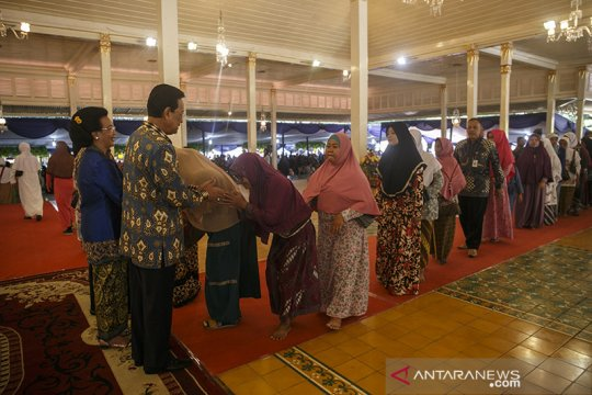 "Ribuan warga hadiri ""open house"" Sultan HB X di Kepatihan"