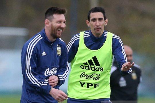 Angel di Maria bersedia bergabung ke Barcelona demi Messi