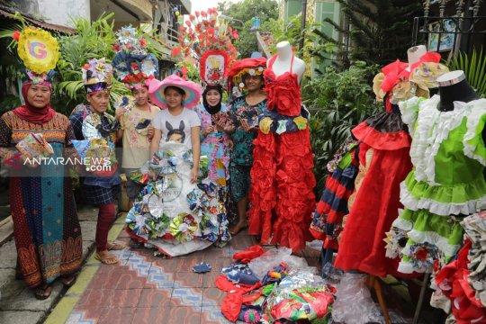 Wali Kota Surabaya paparkan strategi daur ulang sampah di Perancis