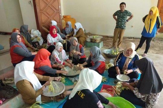 Gorontalo Utara tuan rumah tradisi Lebaran Ketupat