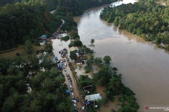 Banjir dampak luapan Sungai Pohara