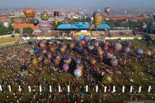 Suasana Festival Balon Udara Tradisional Di Pekalongan Page 4 Small