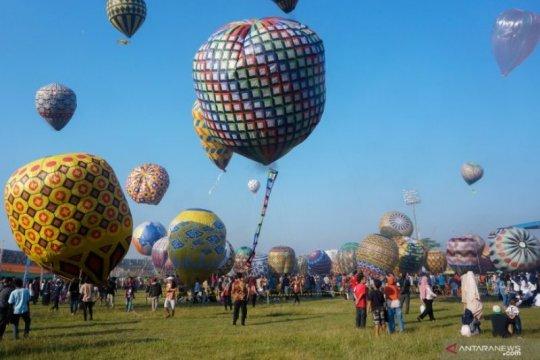 Suasana Festival Balon Udara Tradisional Di Pekalongan Page 2 Small