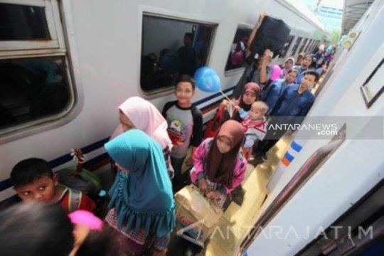 Penumpang KA di Daop 8 Surabaya capai 650.189 orang