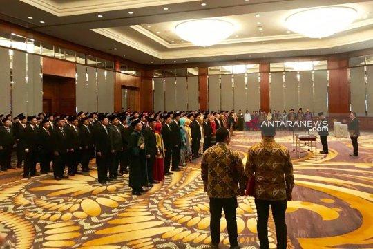Ketua KPU RI lantik 180 komisioner kabupaten/kota di Jatim