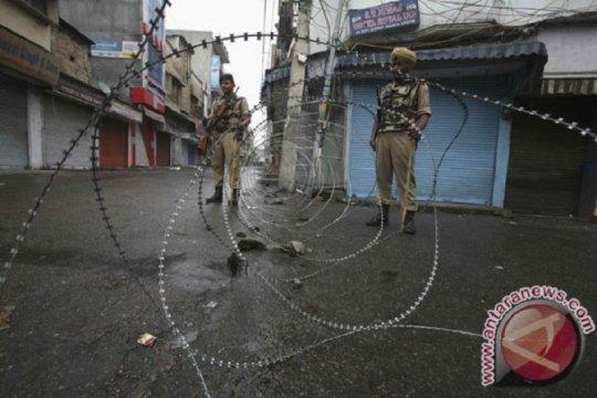 Serangan granat di Kashmir lukai 10 orang di tengah penindasan India