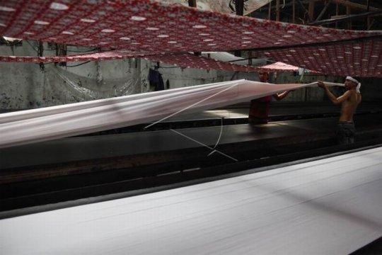 Produksi batik seragam sekolah Page 2 Small