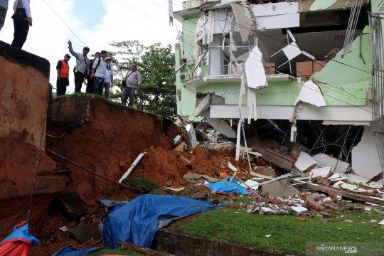 Tim Badan Geologi tinjau lokasi tanah bergerak di Ambon