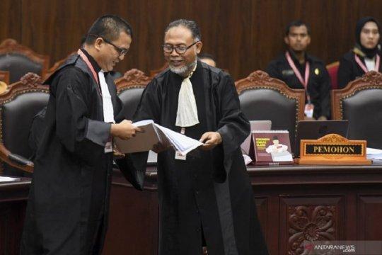 Berikut adalah petitum dari permohonan Prabowo-Sandi