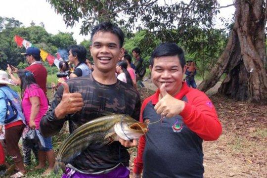 Barito Timur gelar festival berburu ikan di sungai