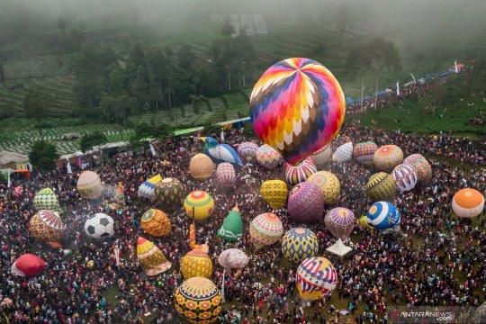 Meriahnya festival balon tradisional di Wonosobo