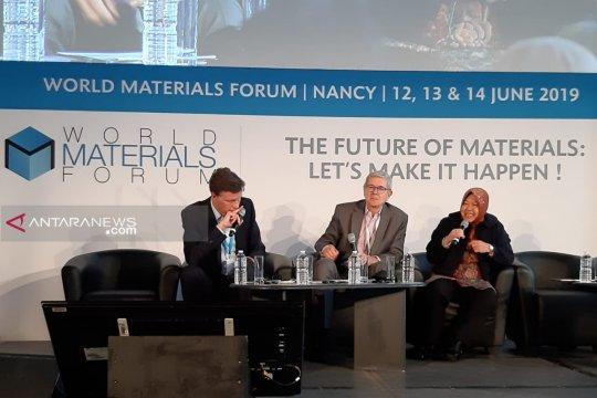 Risma ungkap keberhasilan kelola sampah pada forum WMF di Perancis