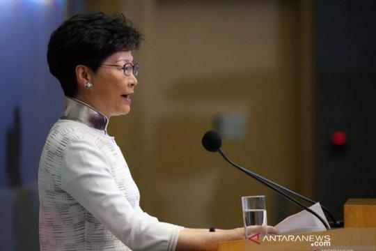 Puluhan ribu orang diperkirakan menuntut pemimpin Hong Kong mundur