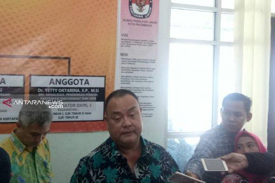 Lima tersangka komisioner KPU Palembang ikuti proses hukum