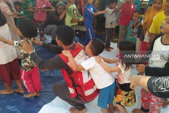 PMI bantu kembalikan keceriaan anak korban bencana banjir Konawe