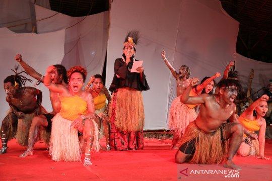 """Di Pesta Kesenian Bali, Putri Koster persembahkan puisi """"Aku Papua"""""""