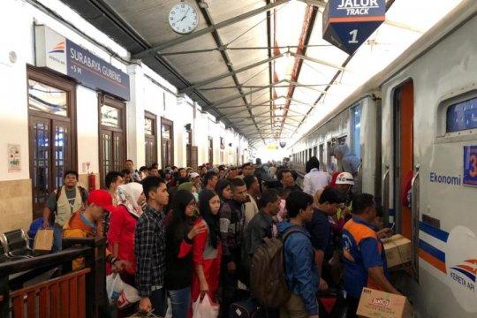 Lima KA terlambat tiba di Surabaya akibat pemadaman listrik