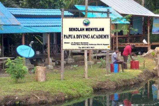 Ada akademi menyelam di Kampung Tablasupa Jayapura