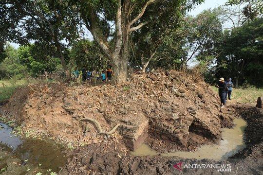 Warga Kabupaten Kediri temukan struktur candi dan arca