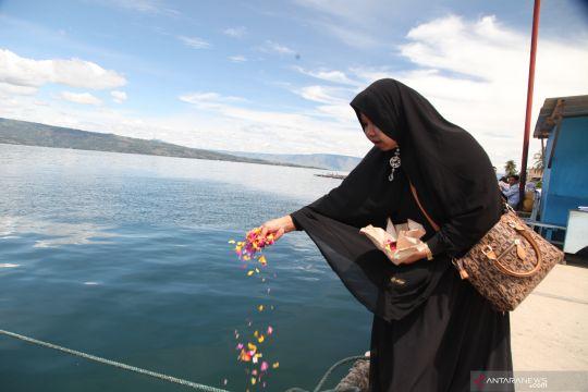 Peringati setahun tenggelamnya KM Sinar Bangun di Danau Toba