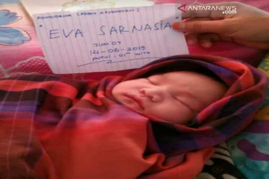 Dua bayi dilahirkan di tempat pengungsian banjir Konawe