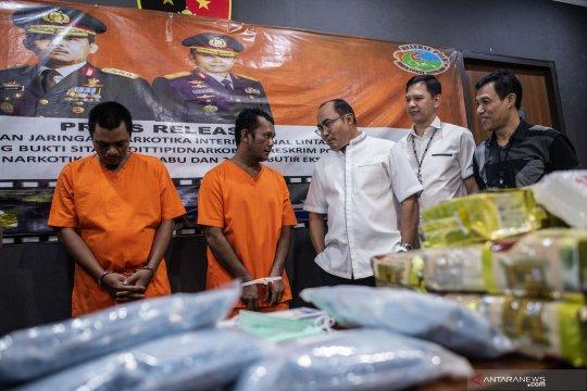 Ungkap 63 kg sabu dan 20.000 pil ekstasi dari pengedar narkotika jaringan Malaysia-Indonesia