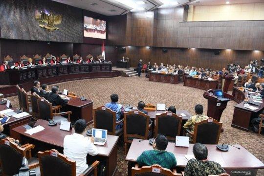 Yusril katakan dalil kubu Prabowo-Sandi hanya asumsi