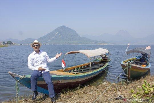 Ridwan Kamil kunjungi waduk Jatiluhur