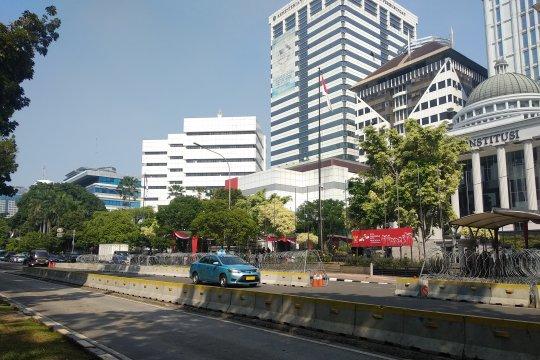 Jalan depan Gedung MK tetap dibuka untuk kendaraan umum