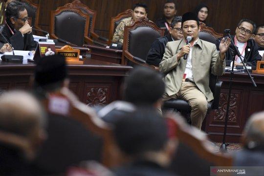Sidang MK, Hakim MK ancam usir Bambang Widjojanto dari ruang sidang