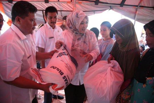 Pemkab Pandeglang serahkan huntara untuk korban tsunami