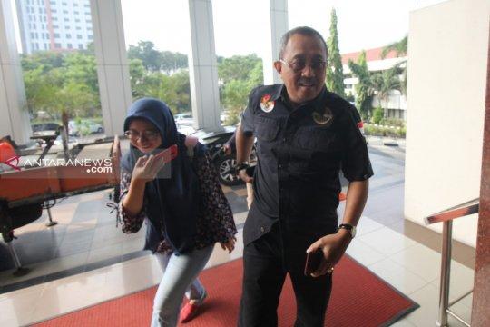 Ketua DPRD Surabaya diperiksa Kejati Jatim selama 6 jam