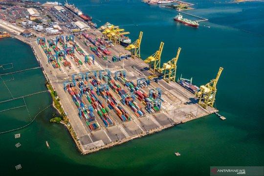 Arus peti kemas di Pelabuhan Tanjung Emas Semarang