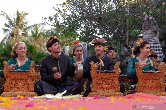 Tunas Mekar asal Amerika meriahkan Pesta Kesenian Bali ke-41