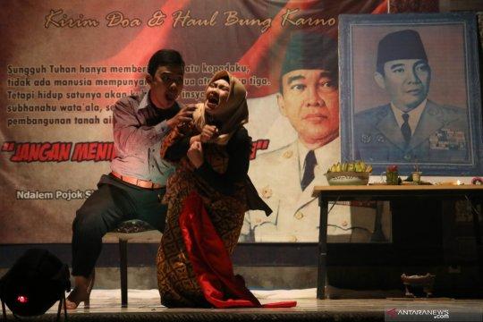 Teater memperingati haul Bung Karno