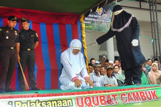 Tiga pelanggar syariat Islam dihukum cambuk 285 kali
