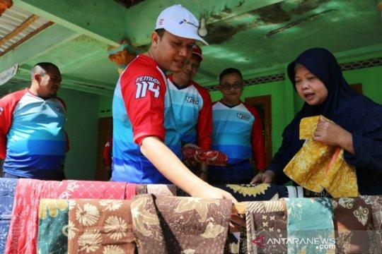 Pertamina berikan bantuan kepada perajin batik disabilitas Boyolali