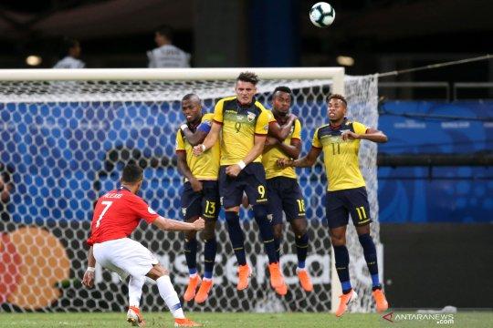 Aksi Alexis Sanchez saat bawa Chile bungkam Ekuador
