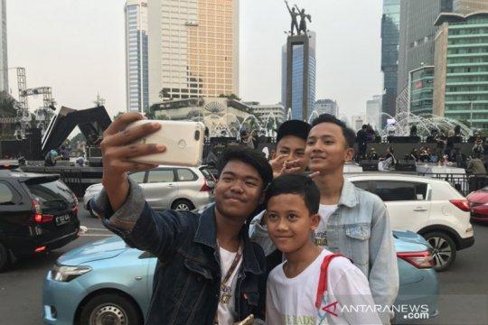 Panggung HUT DKI tarik minat warga untuk berswafoto