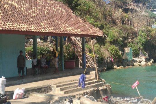 Pelelangan ikan Baron Gunung Kidul rusak akibat abrasi