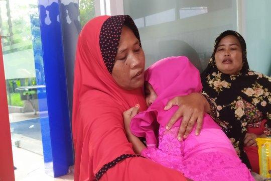 Diberitahu masih hidup, anak korban kebakaran histeris ibunya hangus