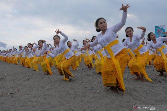 Pembukaan Festival Yeh Gangga di Bali