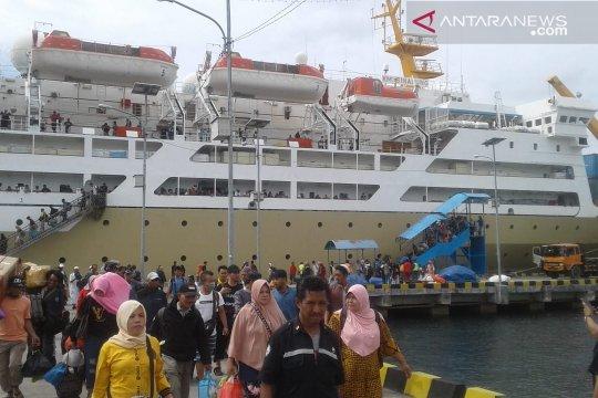 Pelabuhan Baubau urutan ke-7 terpadat di Indonesia selama Lebaran 2019