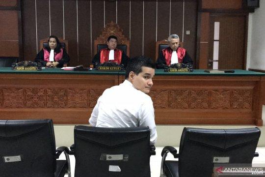 Bacakan pledoi, Steve Emmanuel pertanyakan alasan dirinya disidang
